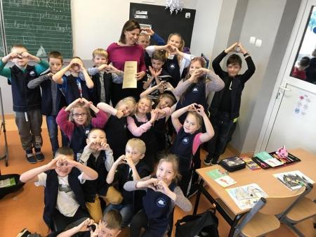 Pani Magdalena Borzyszkowska w klasie 2B