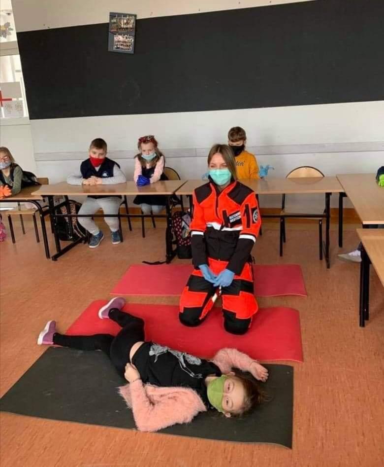 Spotkanie z ratownikiem medycznym w 2b