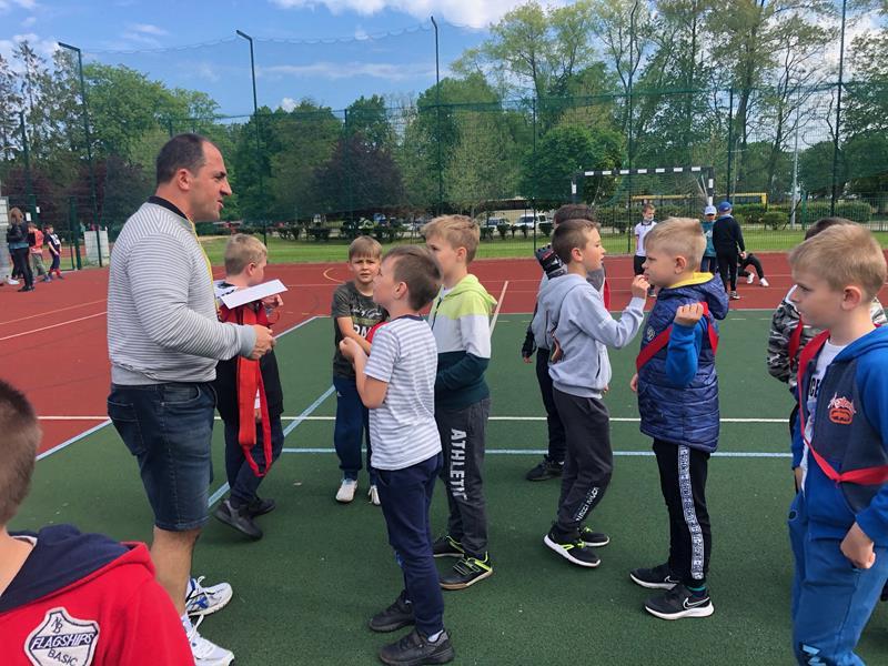 Dzień Dziecka na sportowo - klasy pierwsze